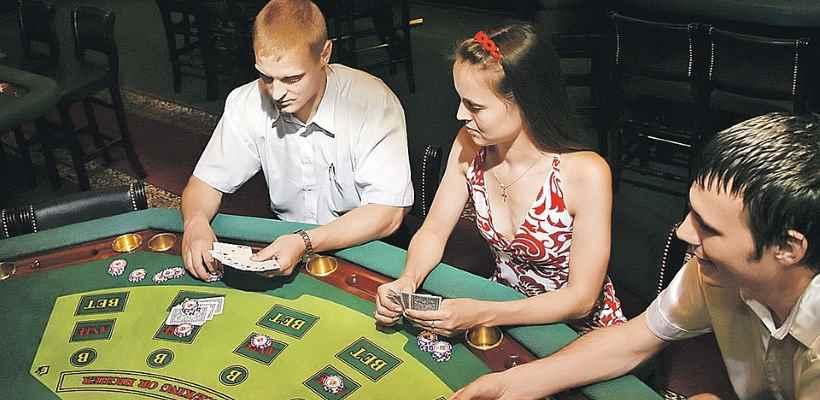 Проиграш в казино карты играть на раздевания до конца